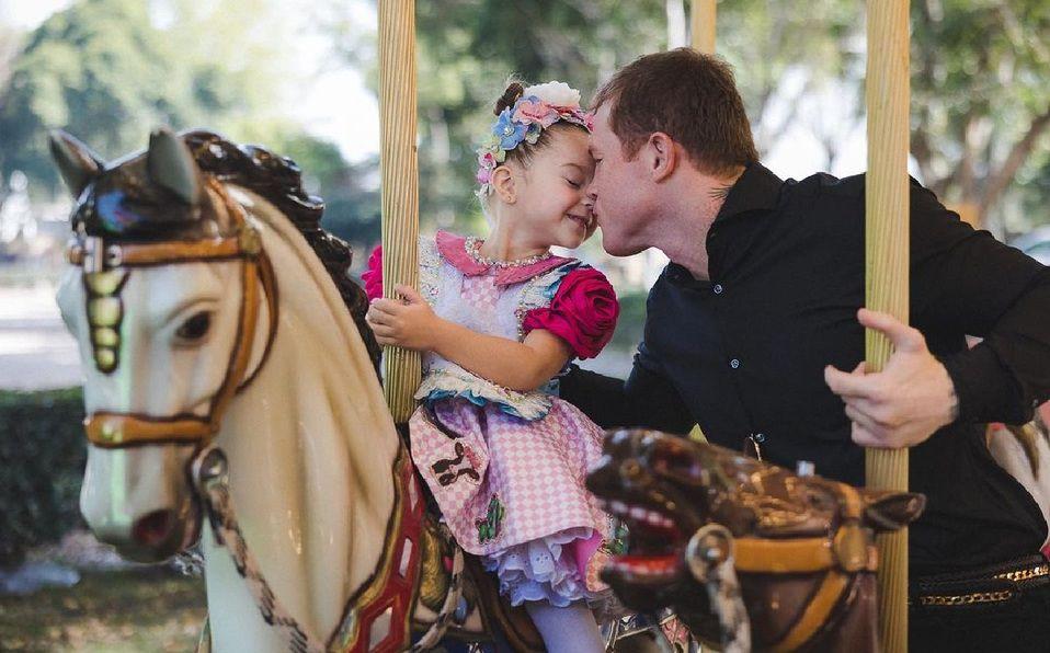 Canelo Álvarez celebra su cumpleaños con su hija María Fernanda. (Foto: Instagram).