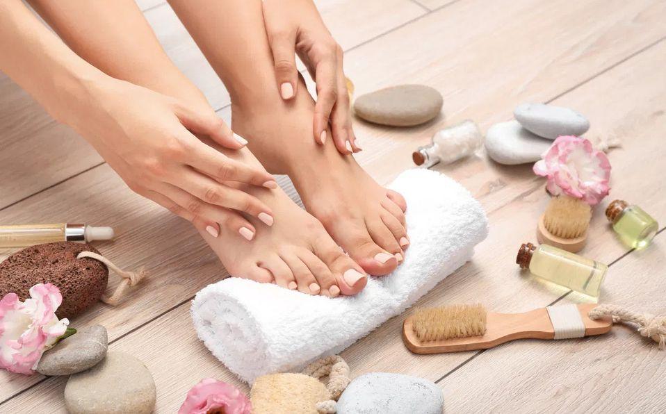 Te damos algunos sencillos tips para que cuides tus pies y puedas lucirlos al máximo (Foto: Cortesía)