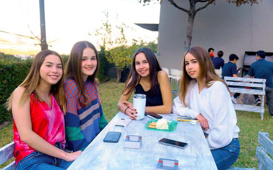 Andrea,-Bárbara,-Gerardo,-Sophia-y-Jimena-