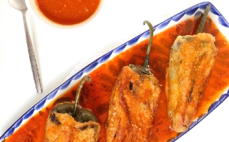 Los chiles rellenos son uno de los platillos más ricos de la gastronomía mexicana (Foto Instagram)
