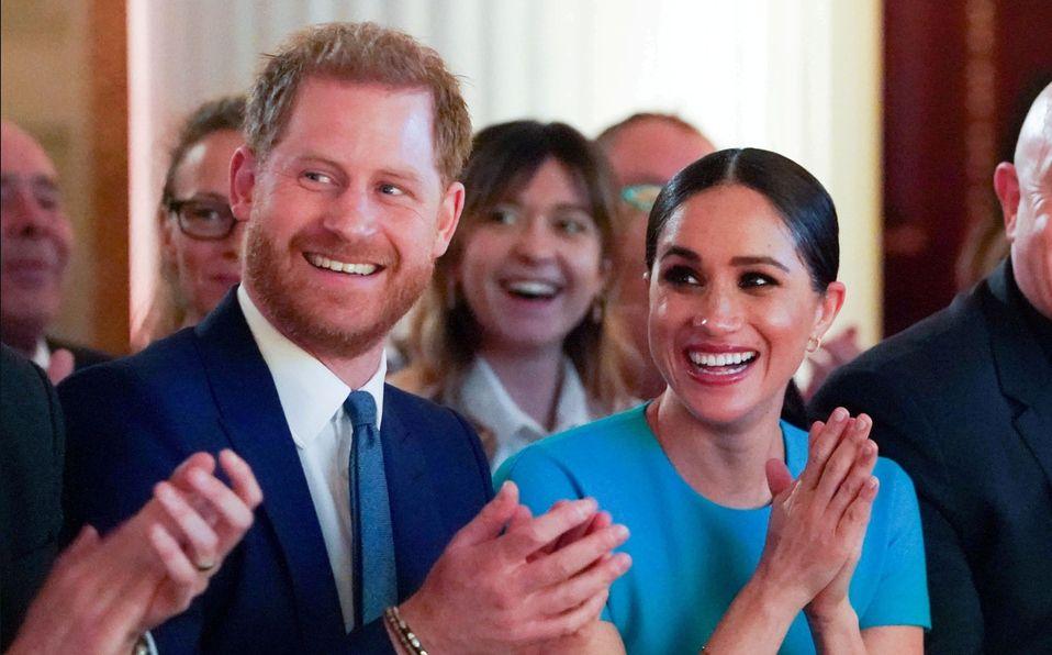 Príncipe Harry debuta una colita de cabello este 2021, según vecino (Foto: Reuters)