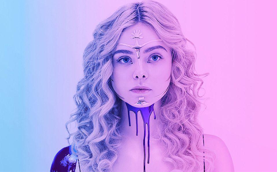 The Neon Demon protagonizada por Elle Fanning es una de nuestras películas favoritas de suspenso psicológico.