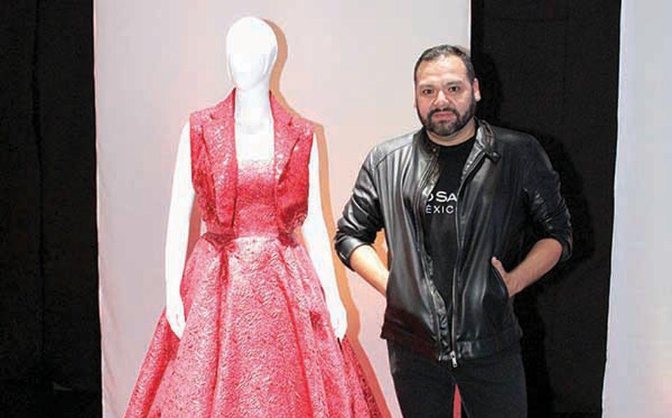 Benito Santo exhibió su colección rindiendo tributo a la amistad.