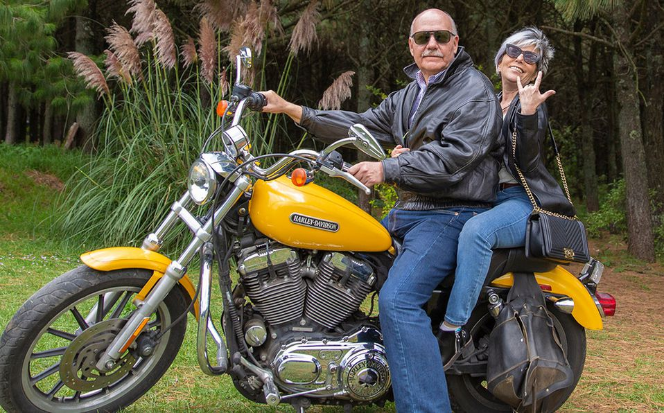 Gabriela Palacio y Mario Cabrera abuelitos con estilo