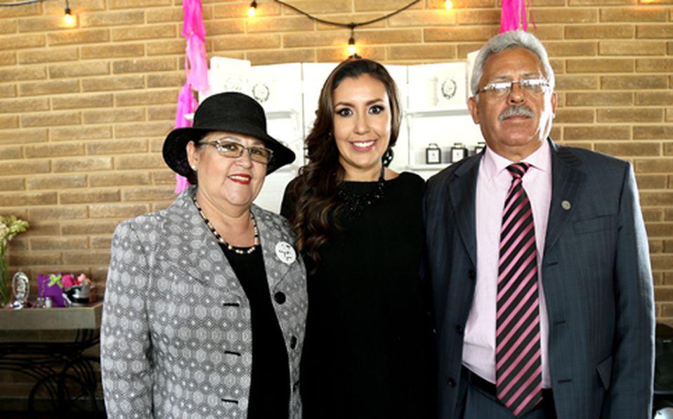 Esperanza Vázquez, Lizzeth Landois y Armando Landois ##