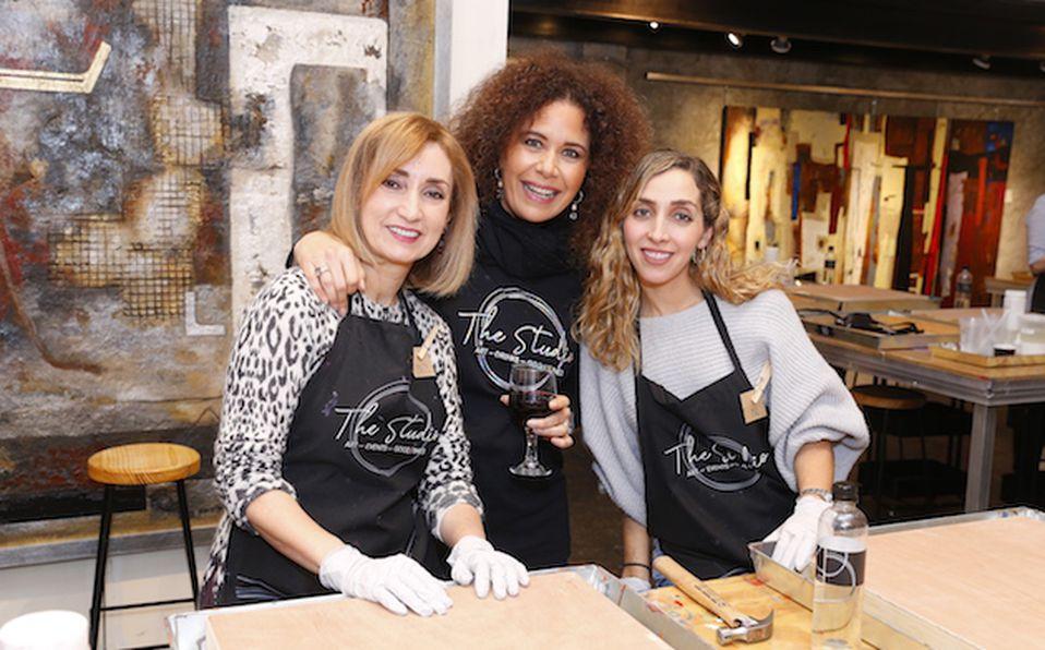 Reyna Castaño y Suzette Marcos de García (1)
