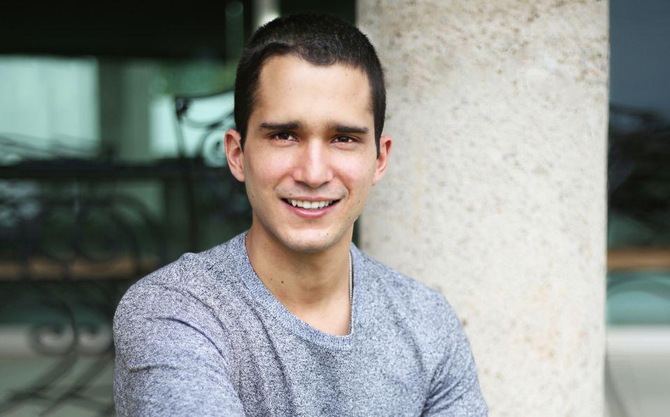 El cantautor Andrés Obregón estará exponiendo sus diferentes facetas en su nuevo material musical. Foto: Aarón Solís