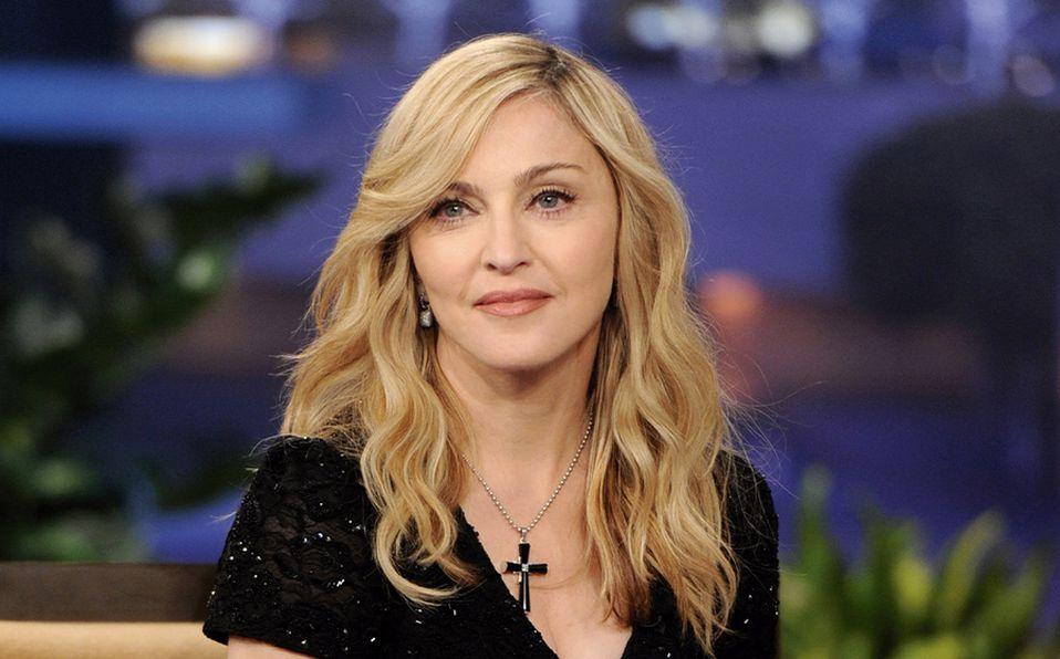 Madonna busca una Re-Invención con lencería negra