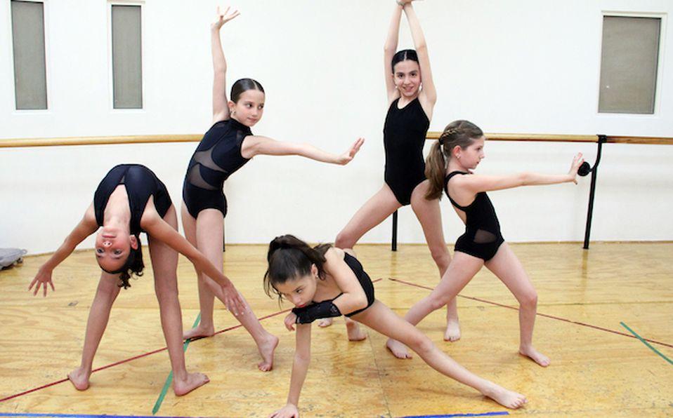 Gurpo Elite de Freeman Dance Training (2)
