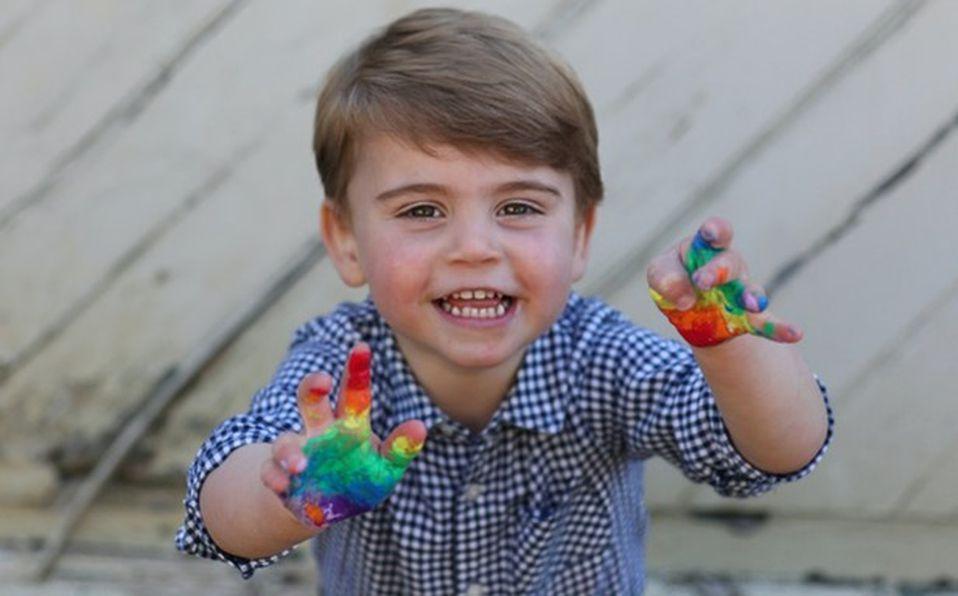 El Príncipe Louis pasó su segundo cumpleaños en cuarentena (Foto: Instagram)