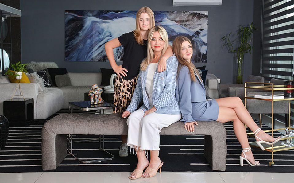Marcela Atristain con Danna y Valeria Mantiñán / Fotos por Marifer Rached