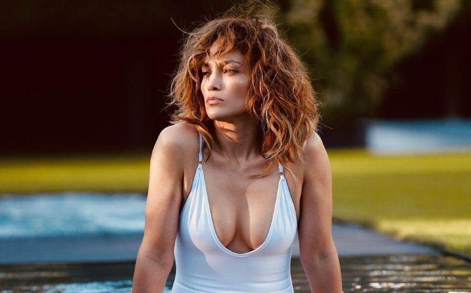 Jennifer Lopez y el traje de baño blanco que puedes comprar a $500 pesos (Foto: Instagram)