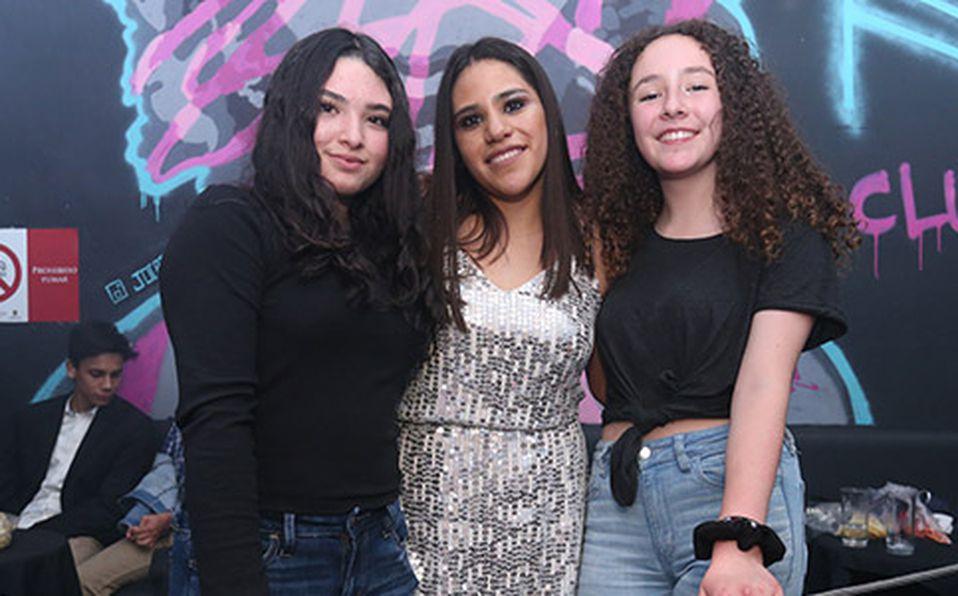(Principal) VANESA GALLARDO, JAYDY ENGUILO Y DANA COTERO