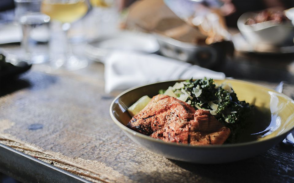 El salmón y estos otros 5 alimentos son ricos en Vitamina D ¡conócelos! Fotografía de Unsplash / Allie