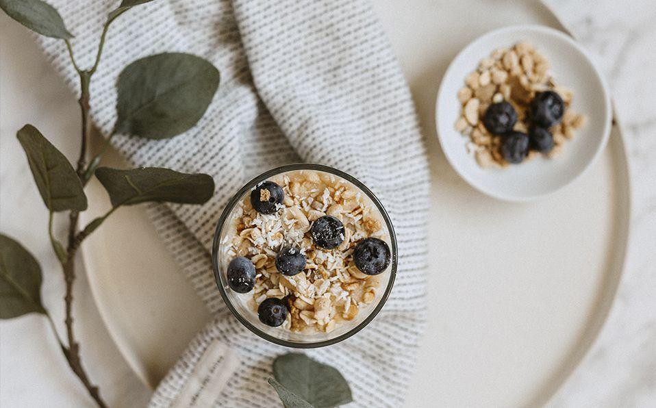 Sigue los pasos para hacer esta sencilla y deliciosa granola casera. Fotografía de Ellie Elien / Unsplash