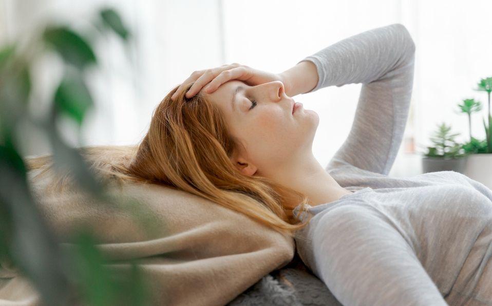 Cómo diferenciar un dolor de cabeza y una migraña (Foto: Getty Images)