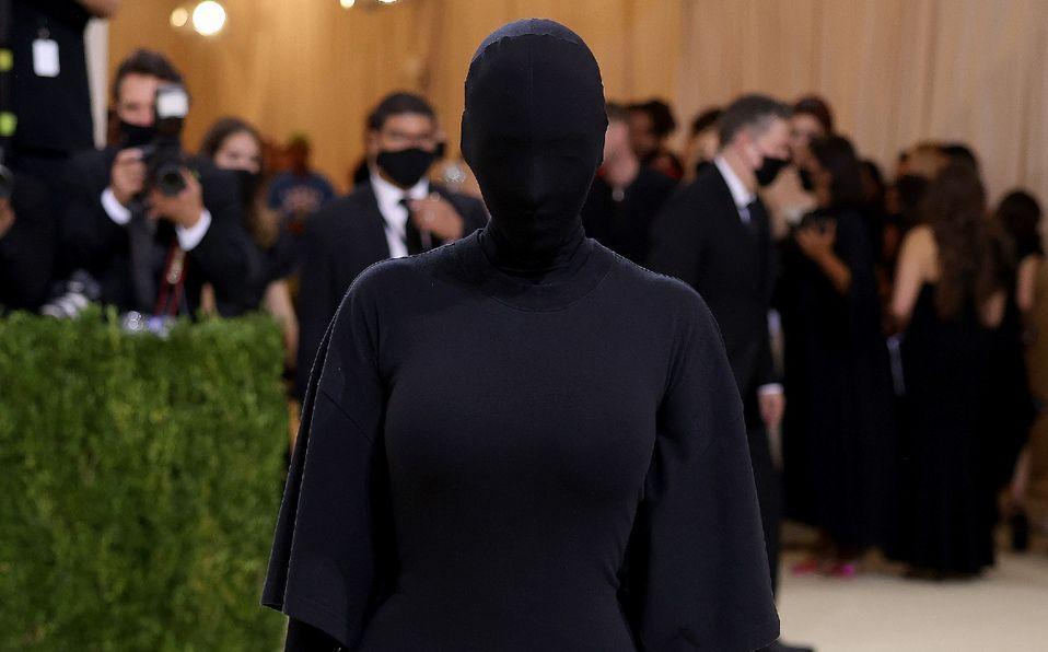 Kim Kardashian se esconde en la MET Gala 2021, inspirada en Kanye West (Foto: Instagram)