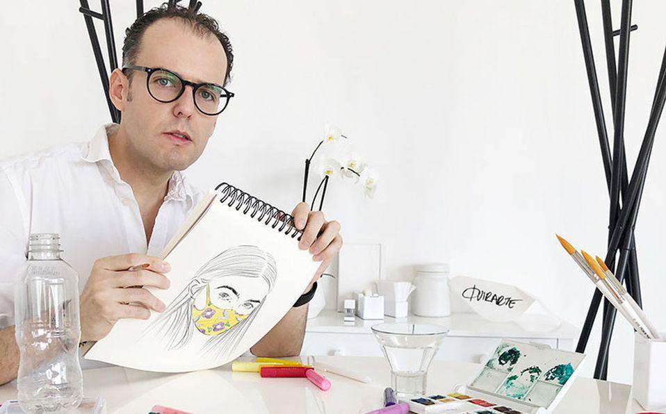 El diseñador Fer Quirarte crea mascarillas a la moda.