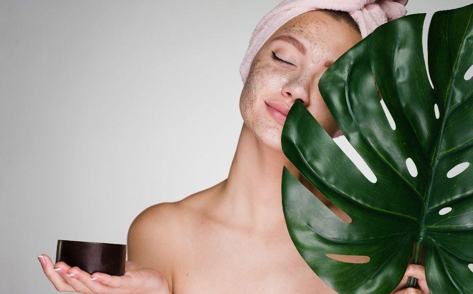 ¿Con qué frecuencia hay que exfoliar la piel? (Foto: Instagram).