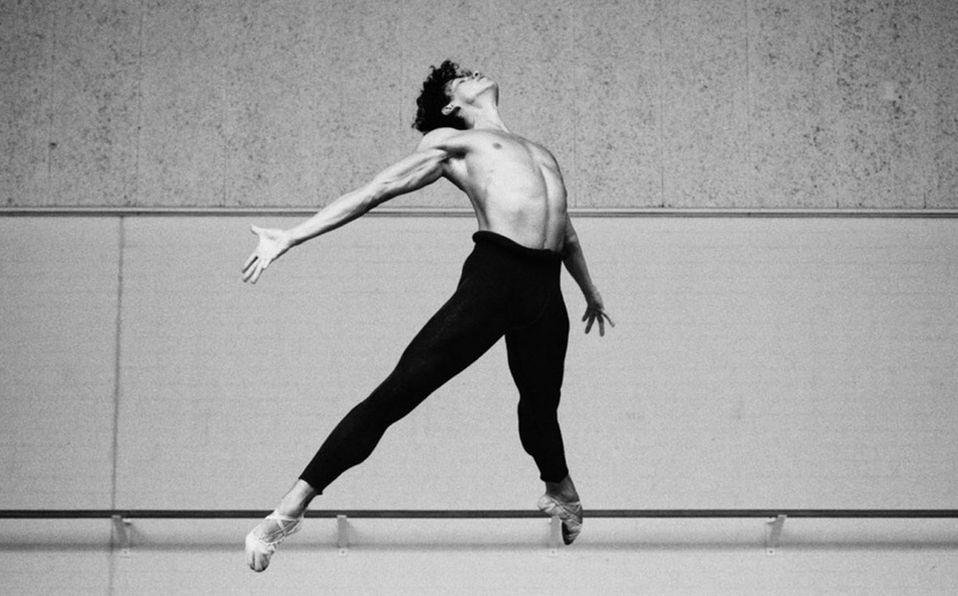 El primer mexicano en recibir el premio al Mejor Bailarín Masculino del Benois de la Danse.