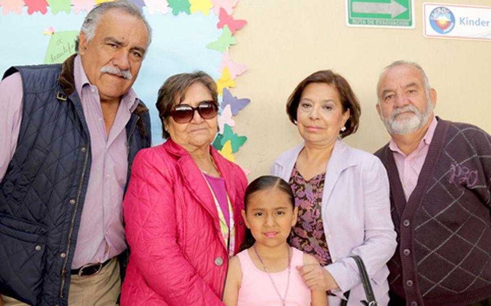 Pedro Calderón, Guadalupe Guerrero, María José Calderón, Arcelia García y Luis Francisco Hernández