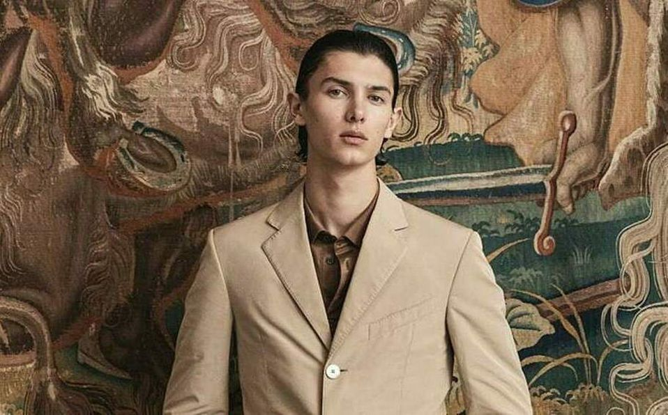 Nicolás de Dinamarca, el príncipe que modela en las pasarelas de Dior.
