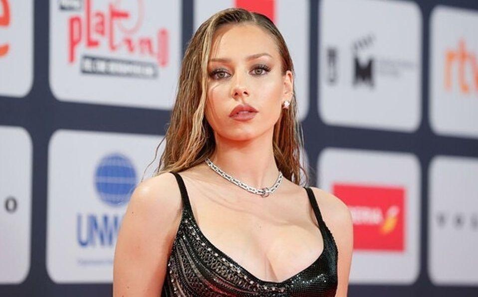 Ester Expósito se roba los Premios Latino con un vestido ¡de cadenas! (Foto: Getty Images)
