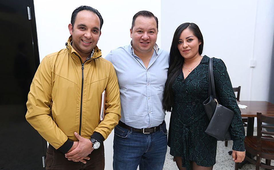 (principal) SANTIAGO MATA Y ANDREA MONGE