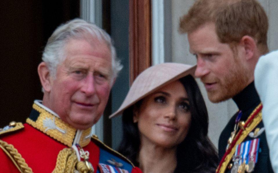 Príncipe Carlos planea sacar a Harry y Meghan de la familia real (Foto: Getty Images)