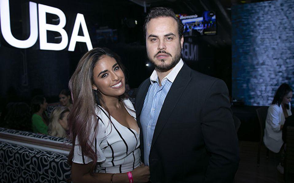 (principal) Alvaro Montaño y Elena Olavarrieta